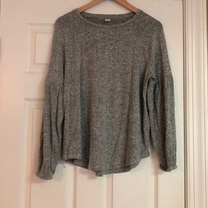 Super Soft Gray Gap Top